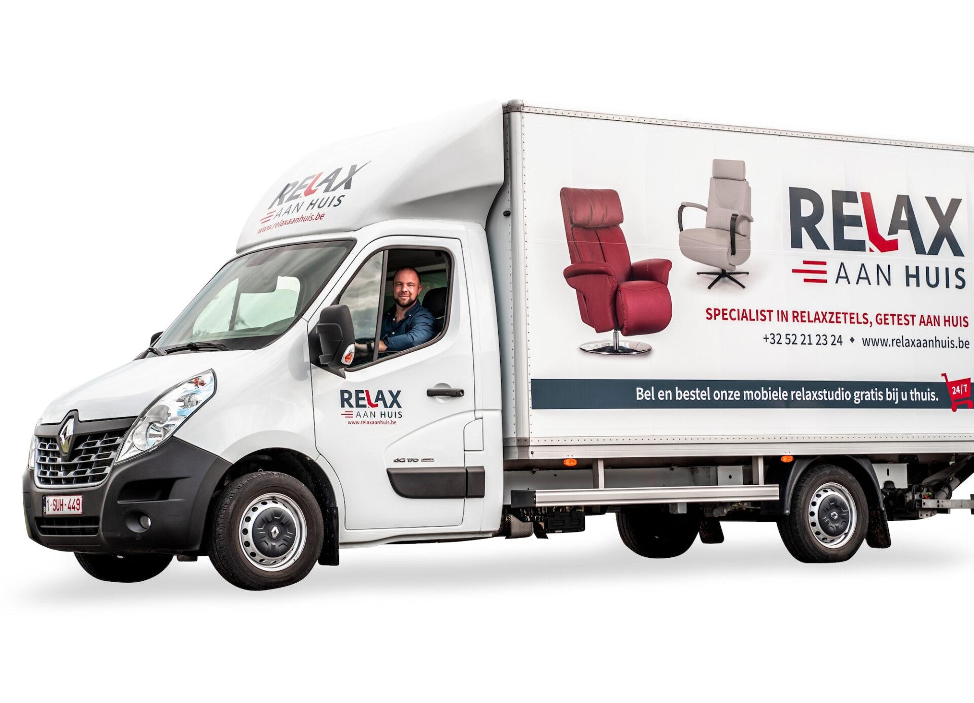Bestickering truck Relax Aan Huis door Drukkerij M. Janssens